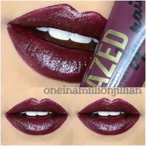 LA Girl Other - 🎀 Glazed Lip Paint - Tempt