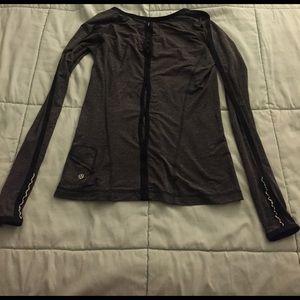 lululemon athletica Tops - Lululemon long sleeve run top with pocket