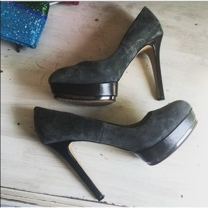 Vince Camuto suede leather heels sz: 8.5