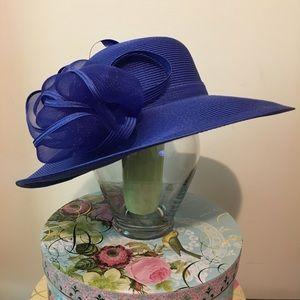 August Hats Accessories - 💥 SALE!! NWOT August Accessories Grecia Hat