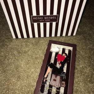 henri bendel Accessories - BRAND NEW Henri Bendel iPhone 6/6s/7 case.