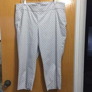NWOT Cynthia Rowley grey & white Capri pants