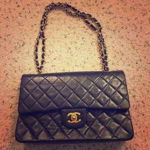 CHANEL Handbags - Vintage CHANEL Double Chain Bag