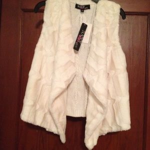 """Sugar Rush Other - Girls """"Sugar Rush""""size L knit and fur vest."""