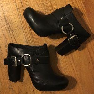 Vera Wang Shoes - Vera Wang Lavender Leather Mules