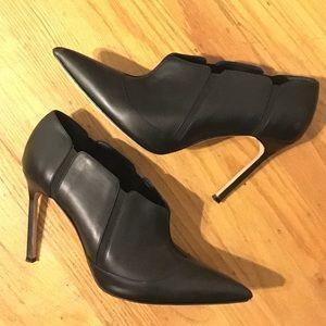 Manolo Blahnik Shoes - Manolo Blahnik Leather Booties