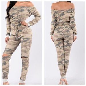 Fashion Nova camo jumpsuit in size small. NWT