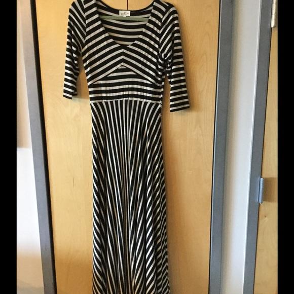 Anthropologie Dresses & Skirts - 3/4 sleeve Anthropologie maxi dress