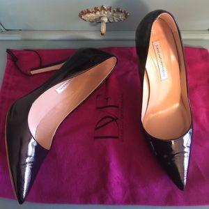 Diane von Furstenberg Shoes - DIANE vonFURSTENBERG Bethany Patent Navy Heel