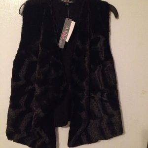 """Sugar Rush Other - Girls """"Sugar Rush"""" knit and fur vest size XL."""