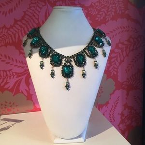 Vintage emerald rhinestone necklace
