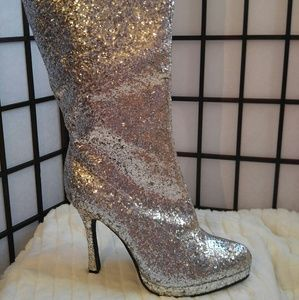 Ellie  Shoes - NWOT GLITTER & GLAM by Ellie