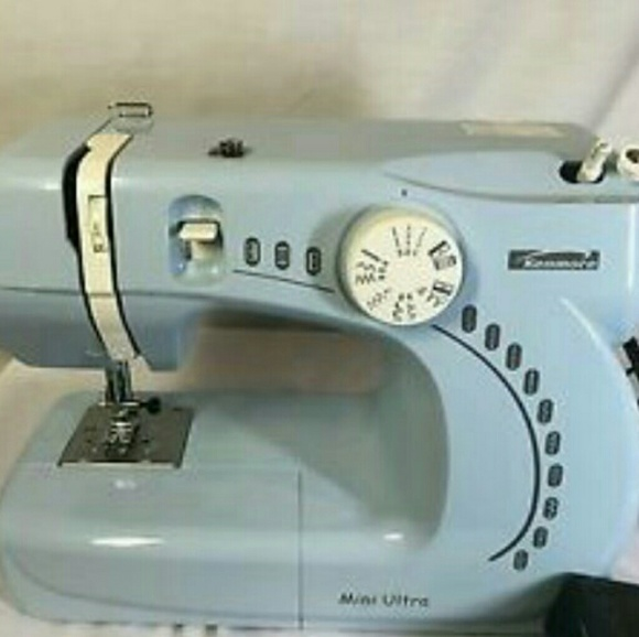 Kenmore Other Mini Ultra Sewing Machine Poshmark Mesmerizing Kenmore Ultra Mini Sewing Machine