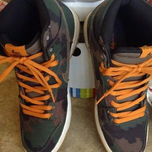 NIKE SB DUNKS 510 FIVETEN GREEN CAMO Orange 12