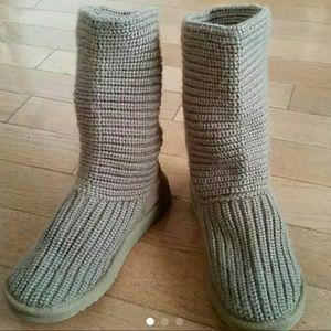 UGG Knit Boots sz 6