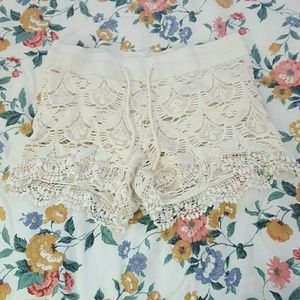 Vanilla Star Pants - White lace shorts