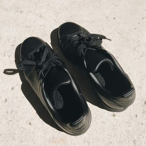 Adidas Shoes - NEW Black Out Stan Smiths