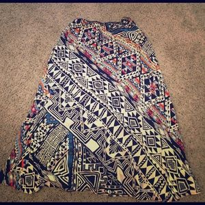 Nostalgia Dresses & Skirts - Aztec printed maxi skirt