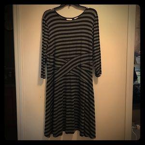 ECI New York Black & Gray Stripe 3/4 Sleeve Dress