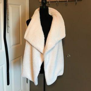 Market & Spruce Jackets & Blazers - NWT market & spruce faux shag vest