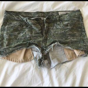 Rag and bone digital camo jean shorts