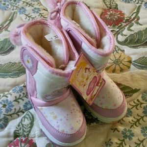 Disney Other - Baby girl snow boots toddler 7 princess