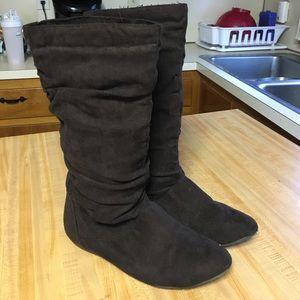 Aldo flat brown boots