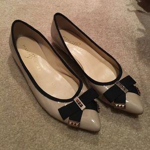 Ivanka Trump Shoes - IVANKA TRUMP TWO TONE FLATS NUDE/BLACK SIZE 7