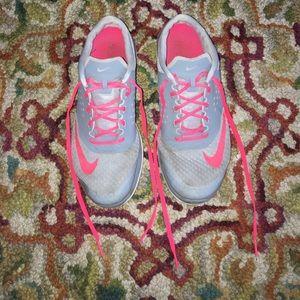 Nike Shoes - ONE DAY SALE NIKE FITSOLE SIZE 9