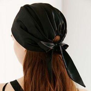 Eugenia Kim Accessories - NWT Genie by Eugenia Kim headscarf