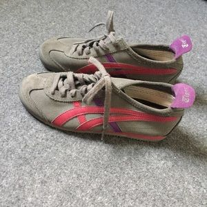 Onitsuka Tiger by Asics Shoes - Asics Tiger Woman's Size 7.5