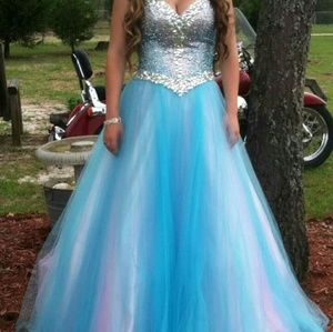 Tony Bowls Dresses & Skirts - Princess prom dress