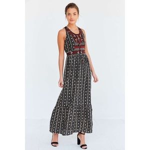 Ecote embroidered bodice print maxi dress in black