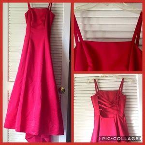 Jump Dresses & Skirts - ❗️SALE Red Full Length square neckline prom dress
