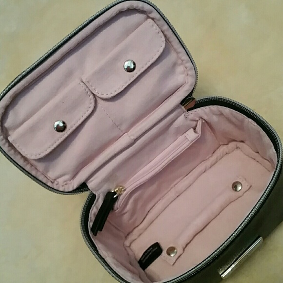 info for 78301 40b7c LASTVictoria's Secret LE Jewelry Case NWT