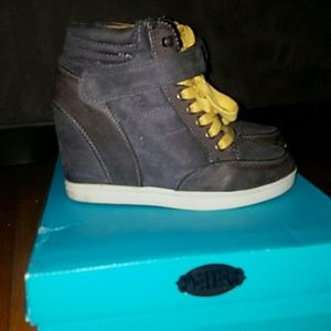 Mad Love Shoes - Platform Sneakers