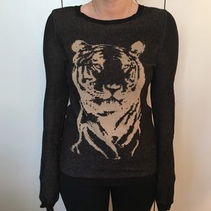 Hive & Honey Sweaters - Graphic sweater
