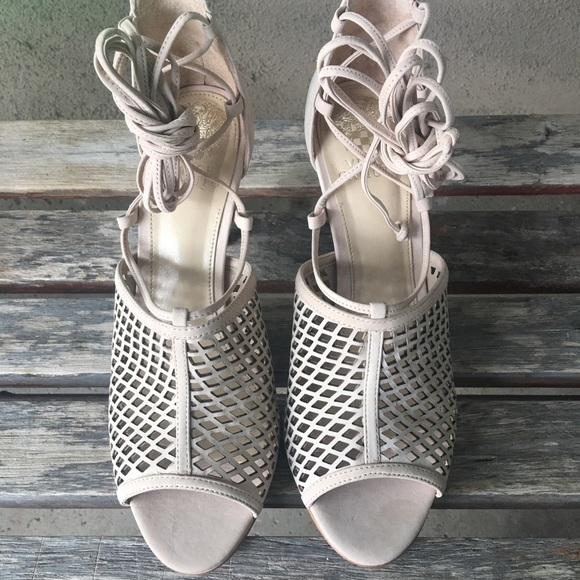 cdb9e98db68f Vince Camuto Vasha lace up heel sz 9 - FINAL SALE.  M 58df3701620ff72e48024bd1