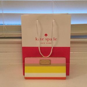 kate spade Handbags - Kate Spade wallet. NEW WITH TAGS