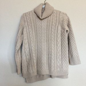 Sweaters - Cute knit tan turtle neck sweater
