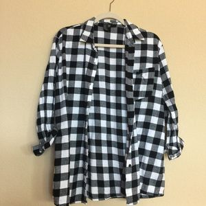 Forever 21 Tops - Black and white plaid button up