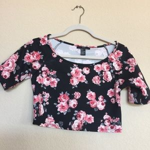 Forever 21 Tops - Forever21 crop top floral pink and black