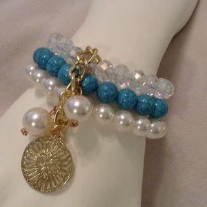 Jewelry - ✨✨✨BEADED BRACELET✨✨✨
