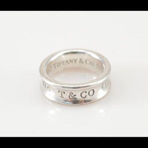 Tiffany & Co. Jewelry - 💎Tiffany & Co ring (size 7) 💋