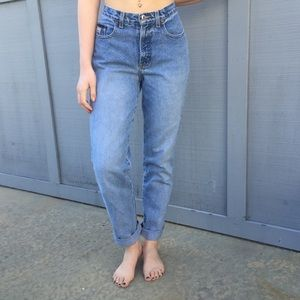 Vintage High Waisted Mom Jeans