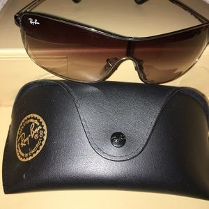 Authentic Ray Ban glasses with case