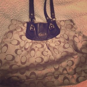 Coach Handbags - Coach Purse!!