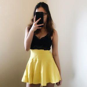 Mini yellow skater skirt