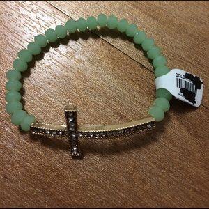 Jewelry - 💚Gold Cross Green Beaded Bracelet💚