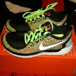 Nike Shoes - NWT NIKE FREE 5.0 BAREFOOT RIDE